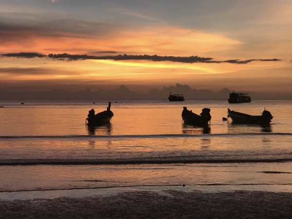 Pôr do sol em Sairee Beach