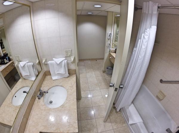 Banheiro do Holiday Inn Niagara Falls