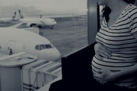 Grávidas podem viajar de avião? Regras para embarque de gestantes