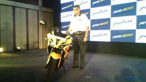 New-Bajaj-Pulsar-RS-200-4