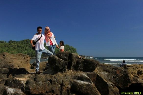Menikmati semilir angin pantai Wediombo - Gunung Kidul - Yogyakarta