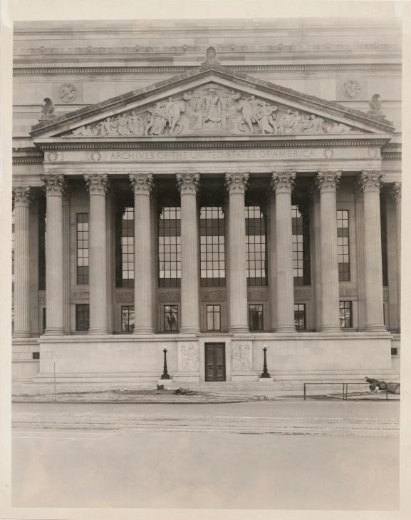 Photograph of the Pennsylvania Avenue Entrance of the National Archives, 01/12/1936. (National Archives Identifier: 7657327)