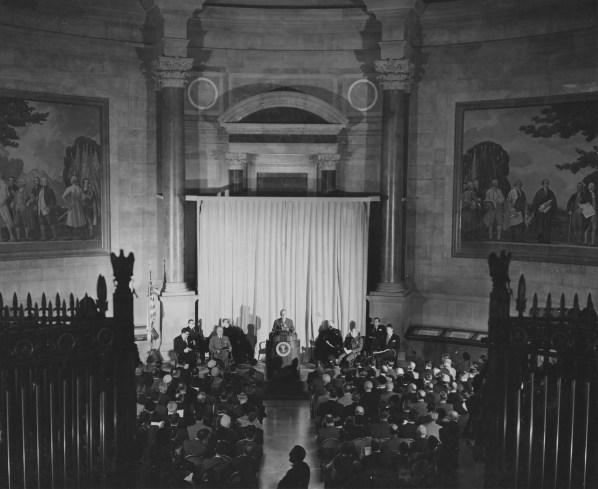 Unveiling Ceremony for the Charters of Freedom, December 15, 1952. (Records of the National Archives)