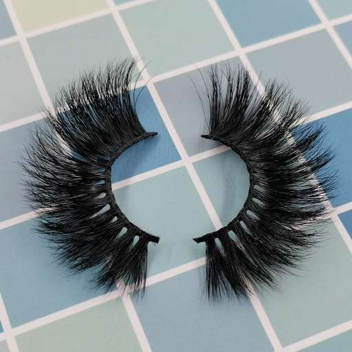 A pair of eyelashes and don't hesitate to start a lashes business at home
