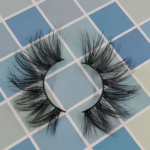 A pair of eyelashes and our brand provide lashes private customization service