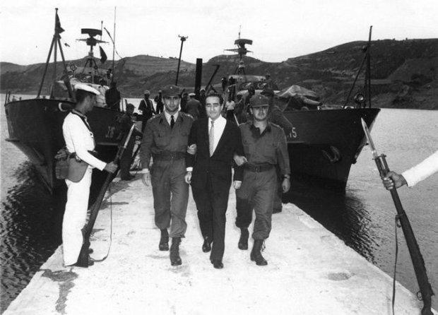 Арест военными премьер-министра А. Мендереса в ходе военного переворота 1960 г.