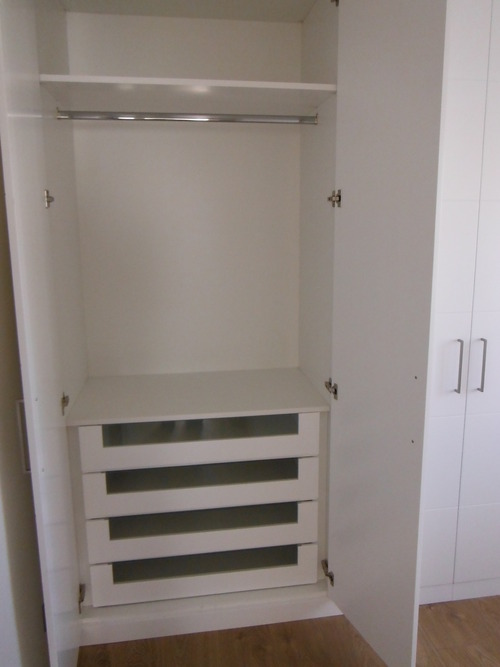 Promida calaixos frontal vidre interior armari