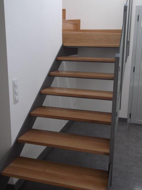 Promida escala interior roure estructura metàl·lica