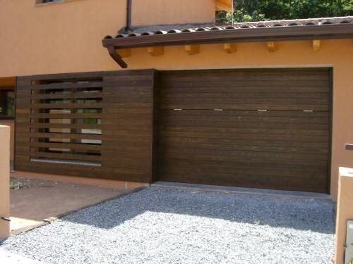 Promida porta garatge finestra oculta