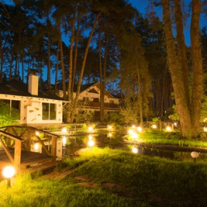 4 Questions to Ask Before Hiring a Pro to Install Landscape Lighting