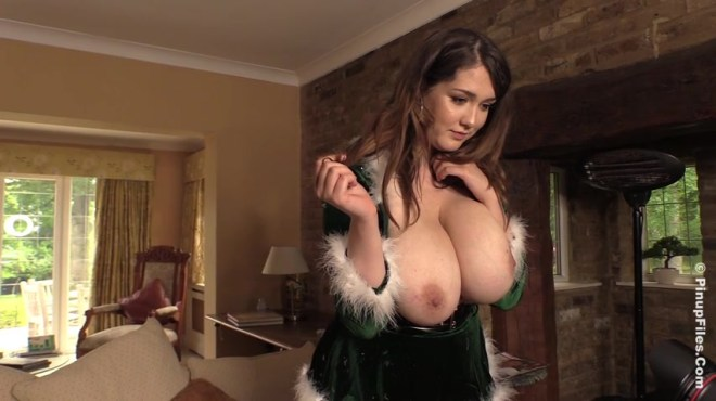 Bella Brewer - Christmas Bella 1 - Trailer