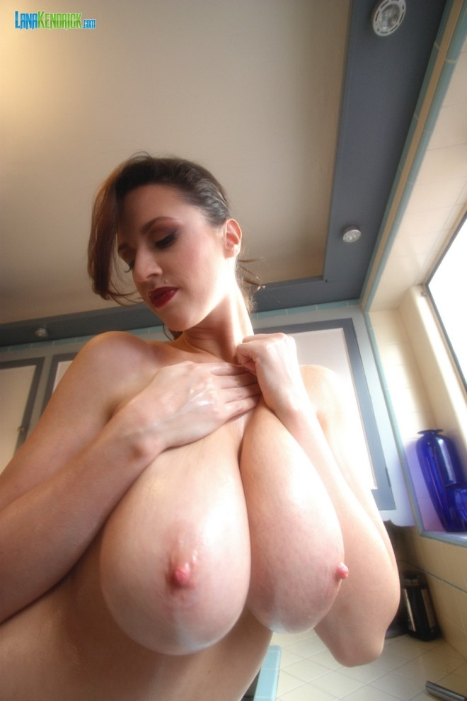 Lana Kendrick - Kitchen Help - BTS - Set 1