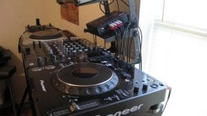 DJ-Set-Up_old-678×381-300×169