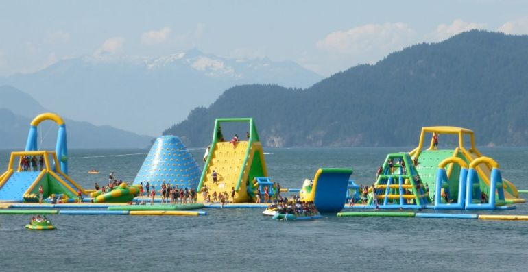 Water Park - Harrison Lake, B.C. (Photo © 2016 by V. Nesdoly)