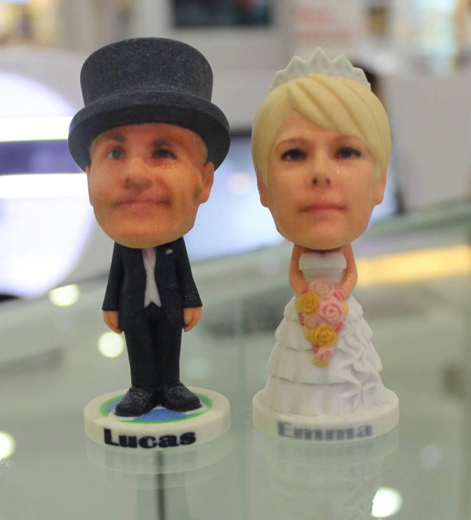miniaturas-personalizadas-noivos-prontaparaosim