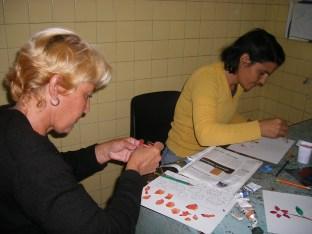 Belkis y Rosa en el taller de creación