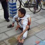 中国残酷物語ーー蜘蛛人間にされた少年乞食