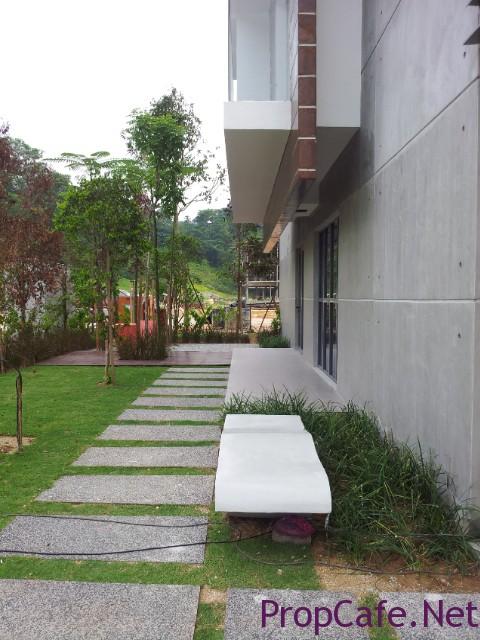 Corner terrace