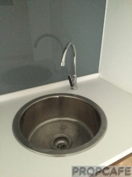 Avenue_D'vouge_kitchen_sink