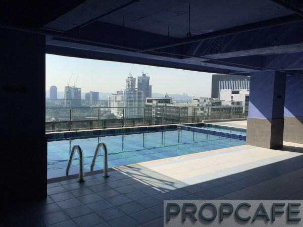 Avenue_D'vouge_pool