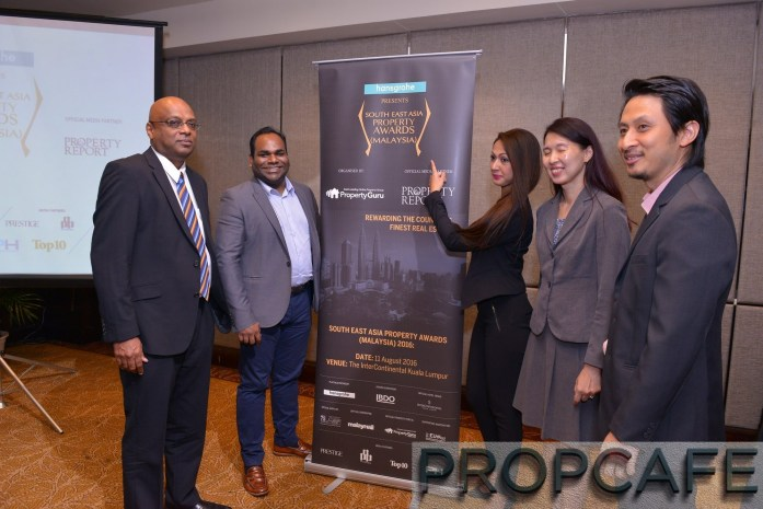 (L-R):  Prem Kumar (Judging Committee Chairman & Executive Director, Jones Lang Wootton), Sheldon Fernandez (Country Manager, PropertyGuru Malaysia), Rachel Gianchandani (Business Development Director, PropertyGuru International), Audrey Chan 陈慧玲  (Partner – Audit, BDO) & Jason Tan 陈永利 (Consultant, representative from Hansgrohe, title sponsor)