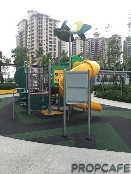 Tropicana_avenue_playground