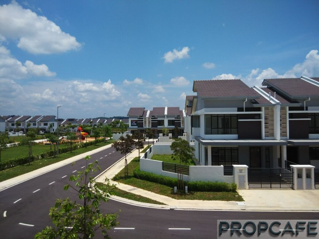 PROPCAFE Guide : Top 10 Considerations When Buying Property In Malaysia 2017