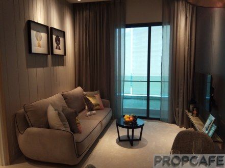 SouthLink TypeE showunit Living
