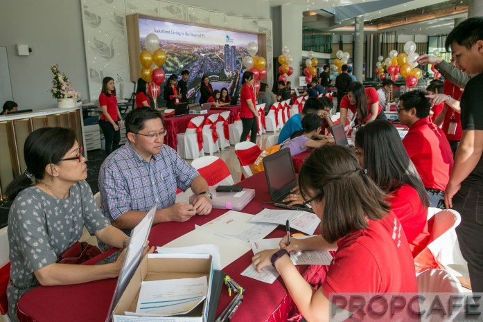 Sunway Serene Public registering their bookings at the Sunway Serene Sales Preview