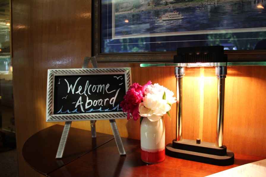welcome sing on the stillwater yacht, june weddings