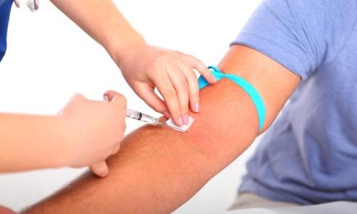 Как лечить синяк после взятия крови из вены