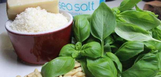 Pesto ingredients | properfoodie.com