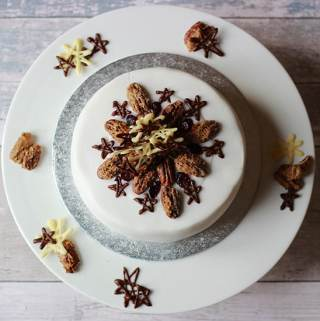 properfoodie christmas cake iced and decorated