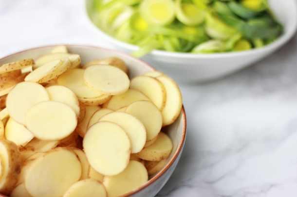 cypriot potatoes and leeks sliced