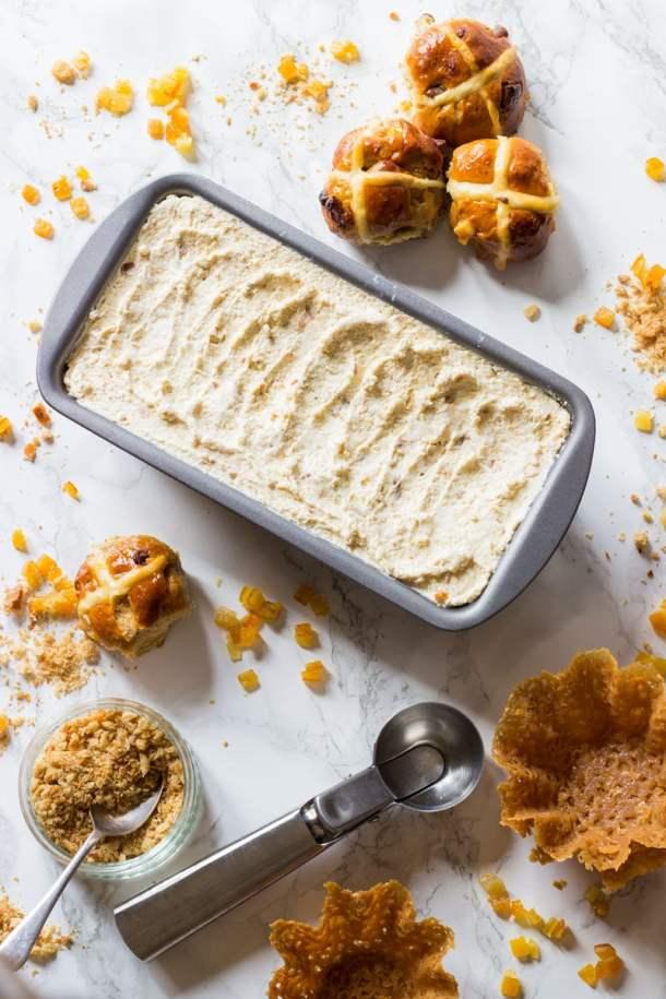 homemade hot cross bun ice cream