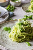 6 Spagetti with pea puree