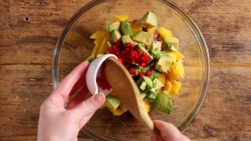 chilli for mango avocado salad