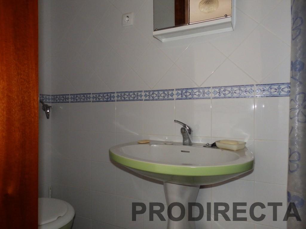 http://propertydirectportugal.com/wp-content/uploads/2013/11/PB230215.jpg