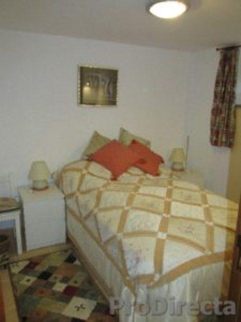 27. Bedroom2