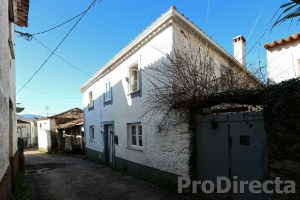 RENOVATED TRADITIONAL RIVERSTONE HOUSE FOR SALE