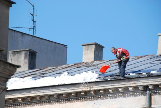 Extending Commercial Roof Life By Properly Clearing And Removing Snow