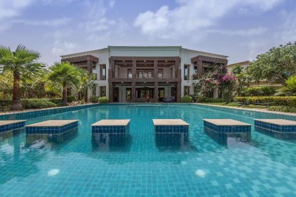 9 Bedrrom Villa in Emirates Hills, 1.1