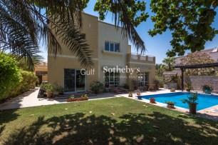 4 bedroom villa for sale in Meadows, Dubai, Gulf Sotheby's