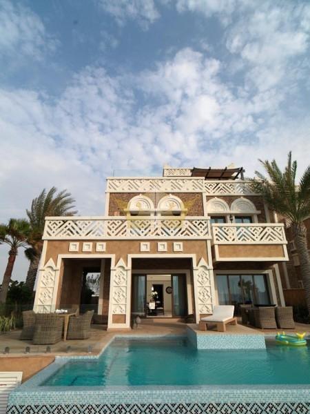 5-bedroom-villa-bedroom-in-palm-jumeirah-ere-1-1