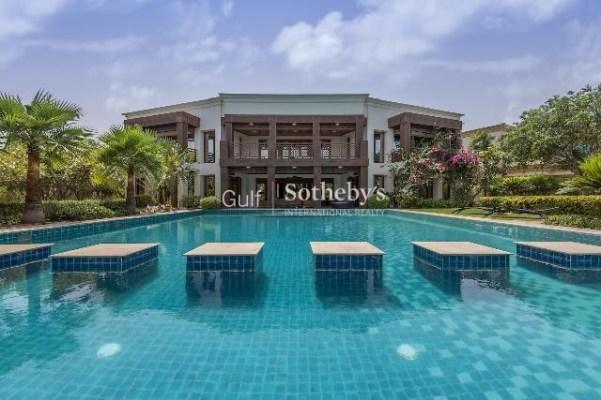 9 bedroom villa for sale in Emirates Hills, Dubai