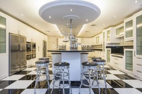 6 bedroom villa for sale in Emirates Hills, Dubai