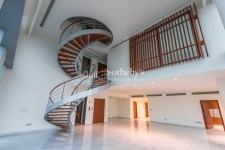 7 bedroom villa in Emirates Hills, 1.7