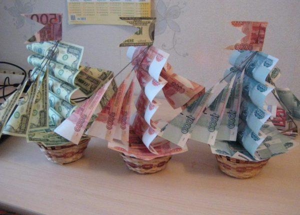 Как подарить деньги мужчине на юбилей: красиво и оригинально
