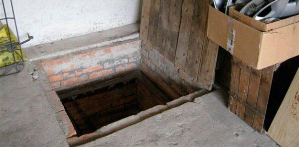 Погреб в гараже: обустройство и как правильно построить ...