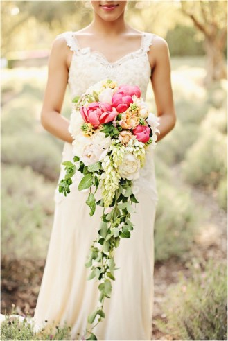 cascading-bouquet-brandi-smyth-photography